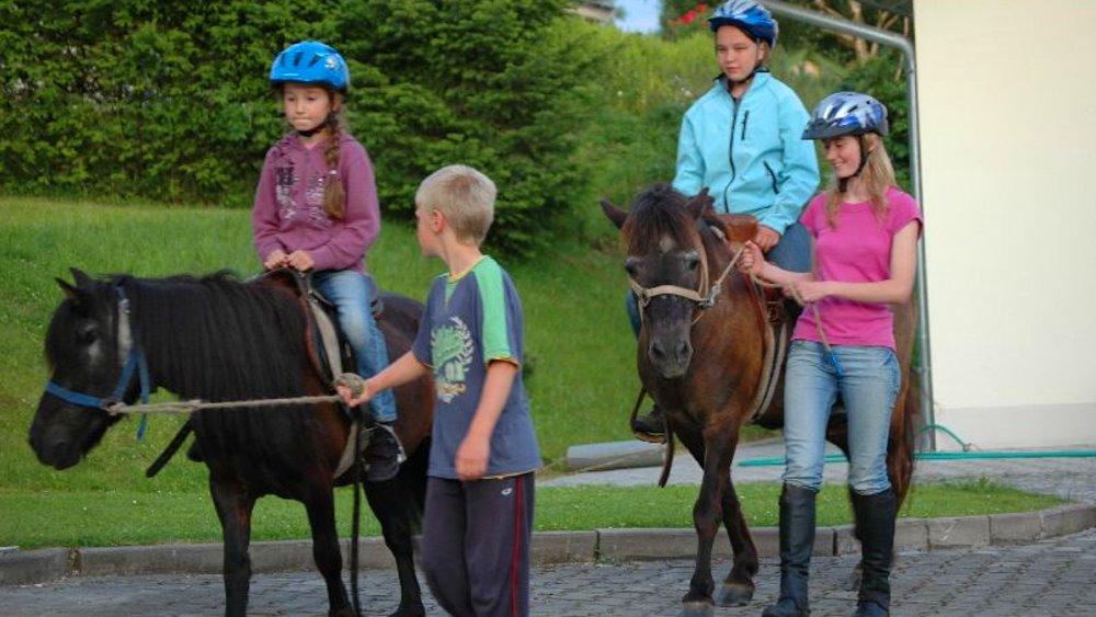 Kinderurlaub in Bayern Familienurlaub mit Ponyreiten