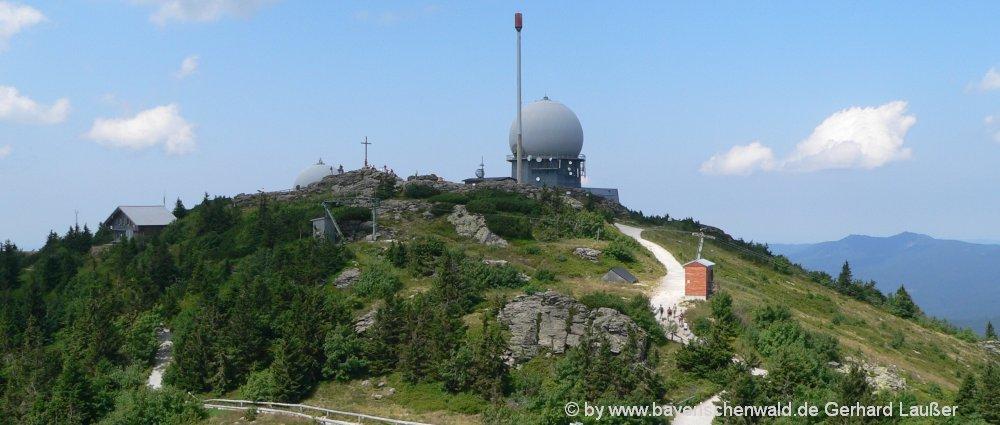 ausflugsziele-bayerischer-wald-arber-berggipfel-wanderungen